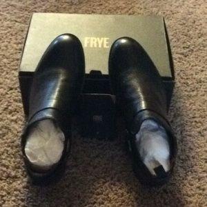 Frye Scott Chelsea Harness Black Boots Size 8m.